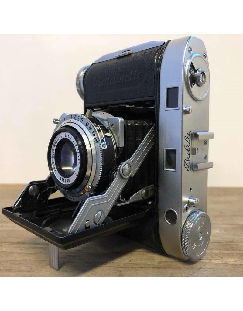 Camera - Super Baldinette by Balda, 35mm, folding, with leather case, 1951