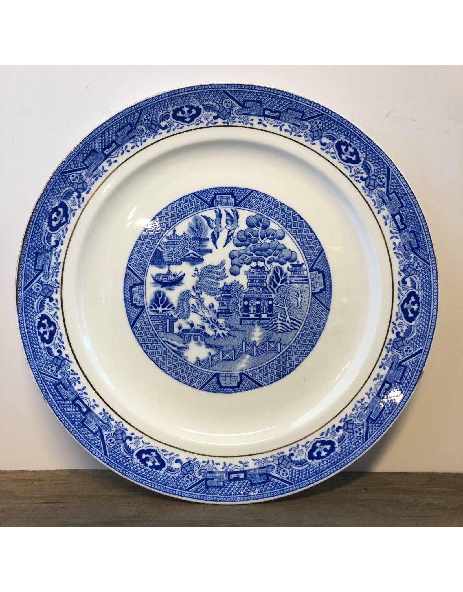 Dinner plate - Royal Grafton bone chine blue willow, 1930s