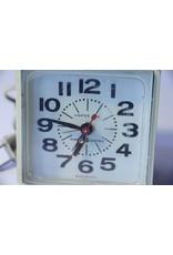 Clock - plug in General Electric alarm clock, working