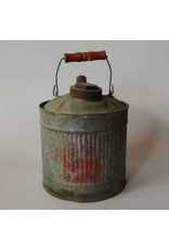 Small oil can