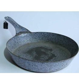 Vintage graniteware frying pan