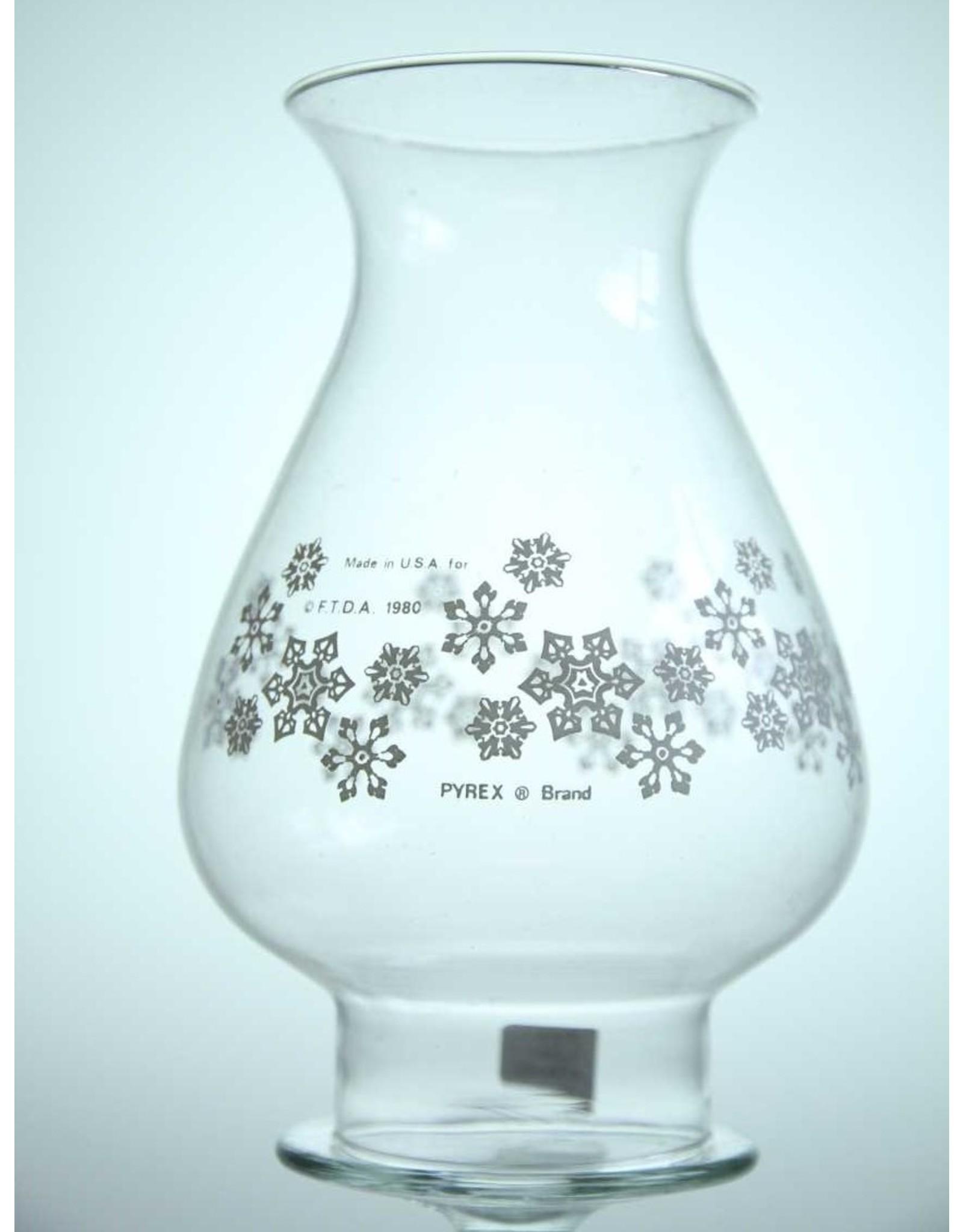 Chimney for oil lamp - Pyrex snowflake design