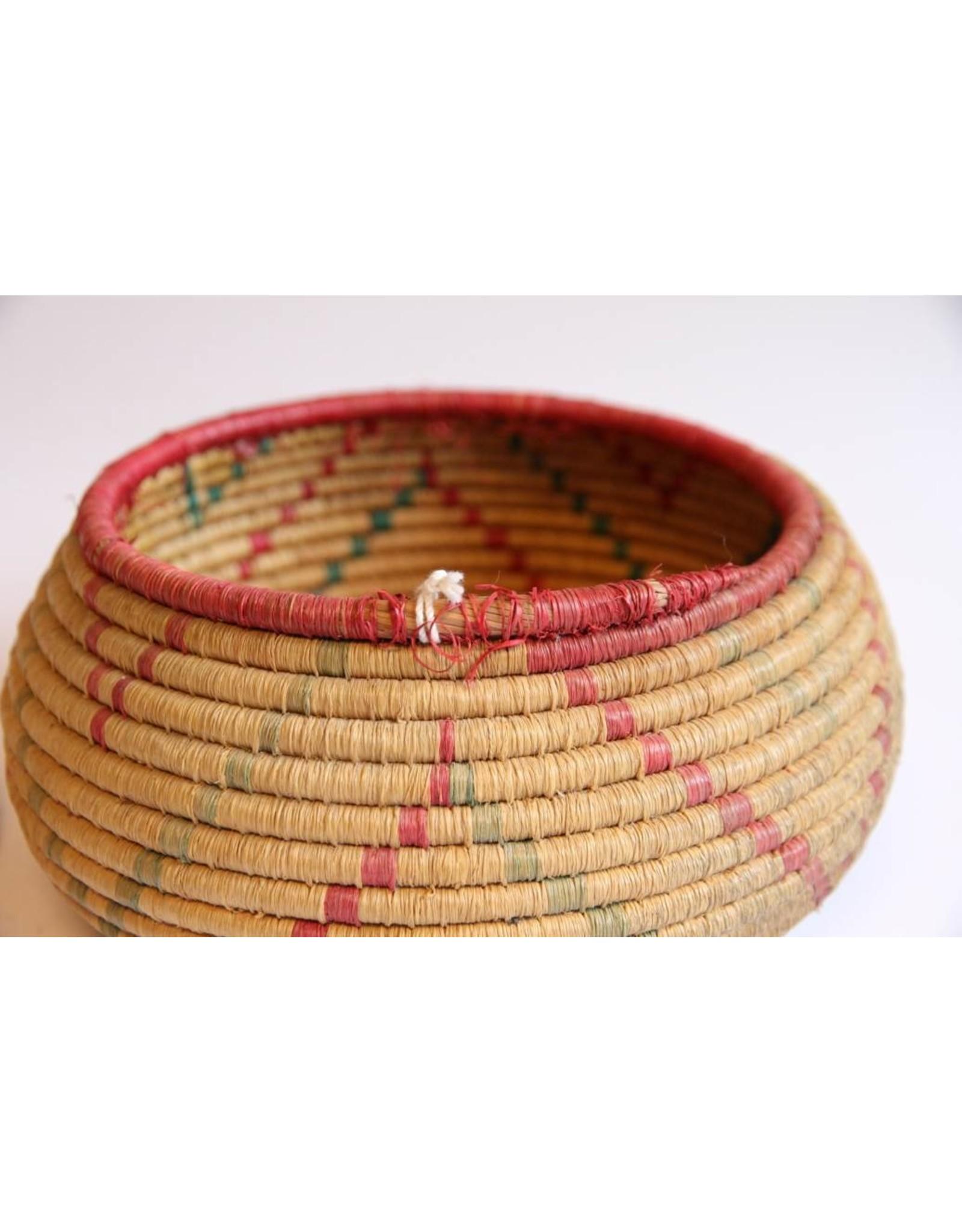 Basket - First Nations woven, Secewepemc, Nikonlith, Sushwap