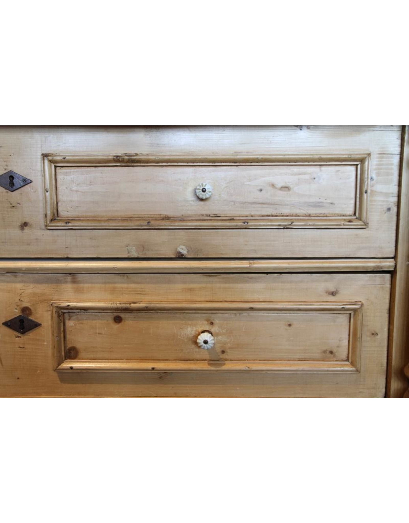 Dresser - five drawer pine Canadiana pine white porcelain knobs huge