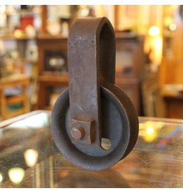 Rustic single wheel pulley