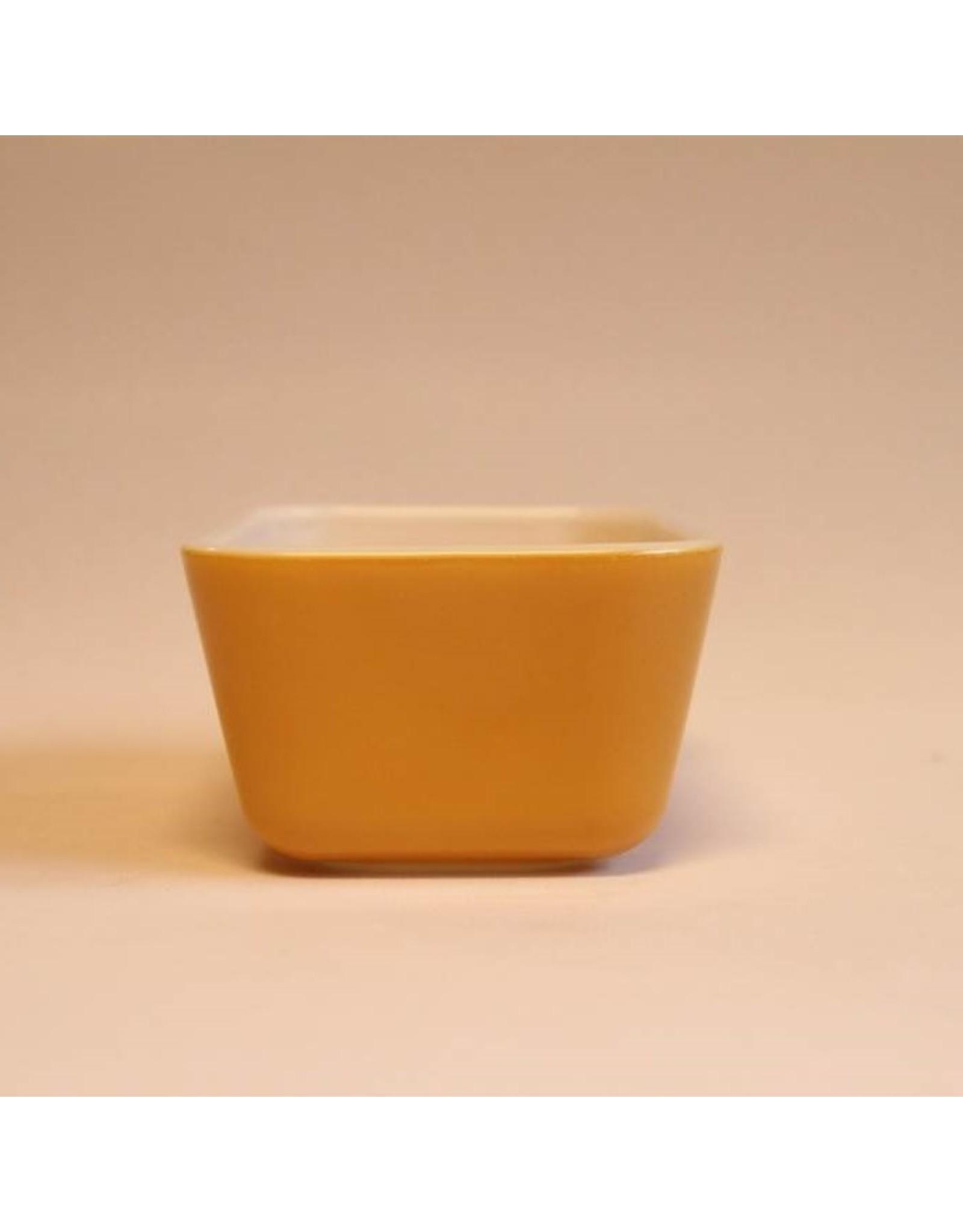 Pyrex - Butterfly Gold fridgie no lid
