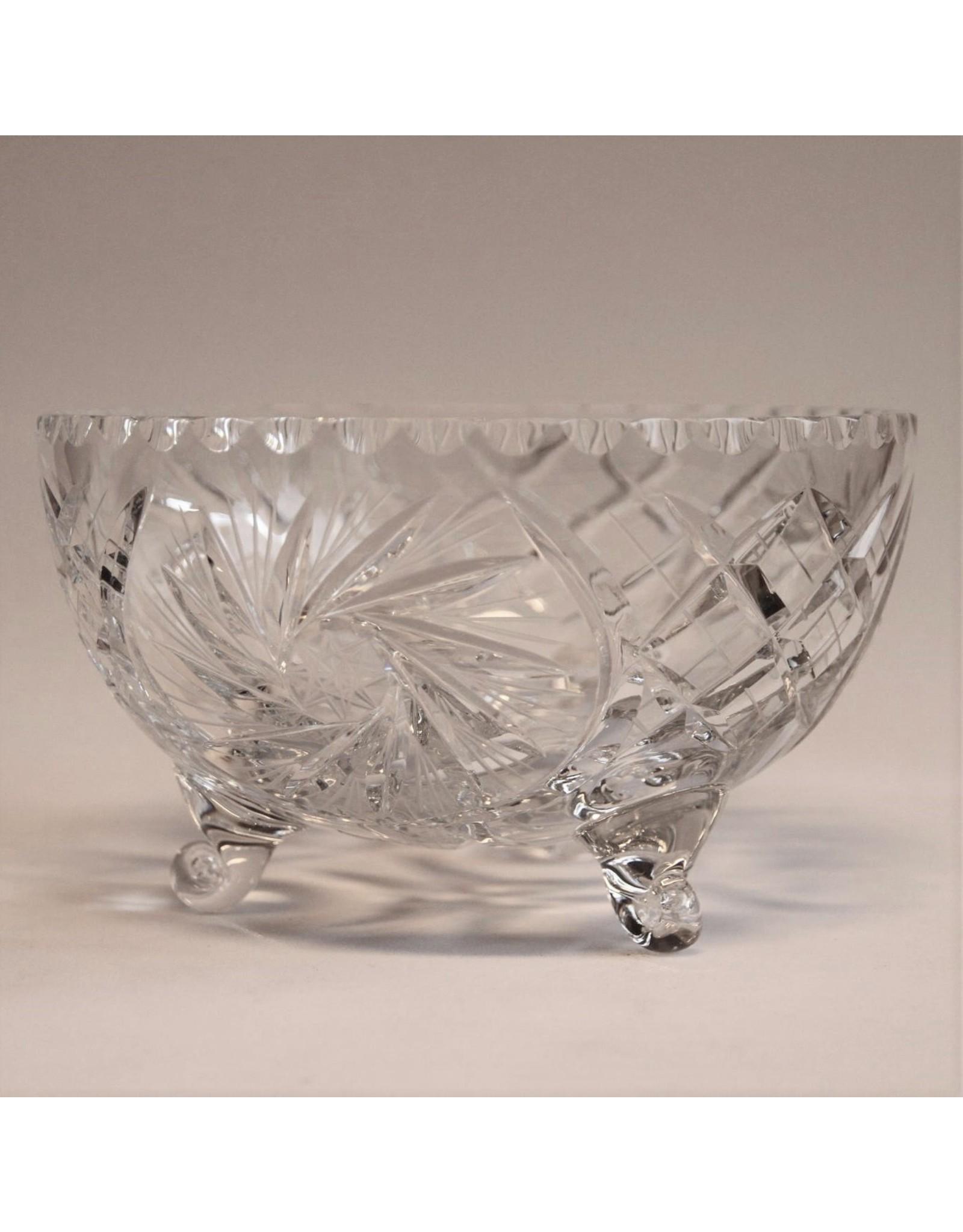 Crystal bowl - three feet, round, pinwheel crystal
