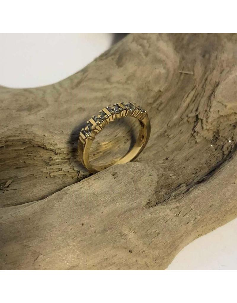 10kt gold ring with 20 diamonds in cluster setting