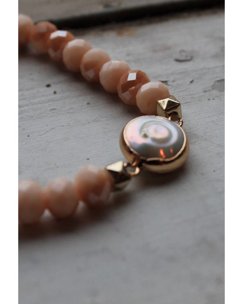 Honey Pearl Stretch Bracelet