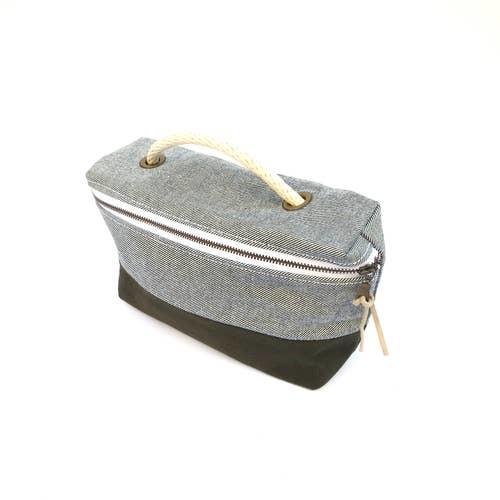 Bittle & Burley Toiletry Bag (Lt Blue/Navy)