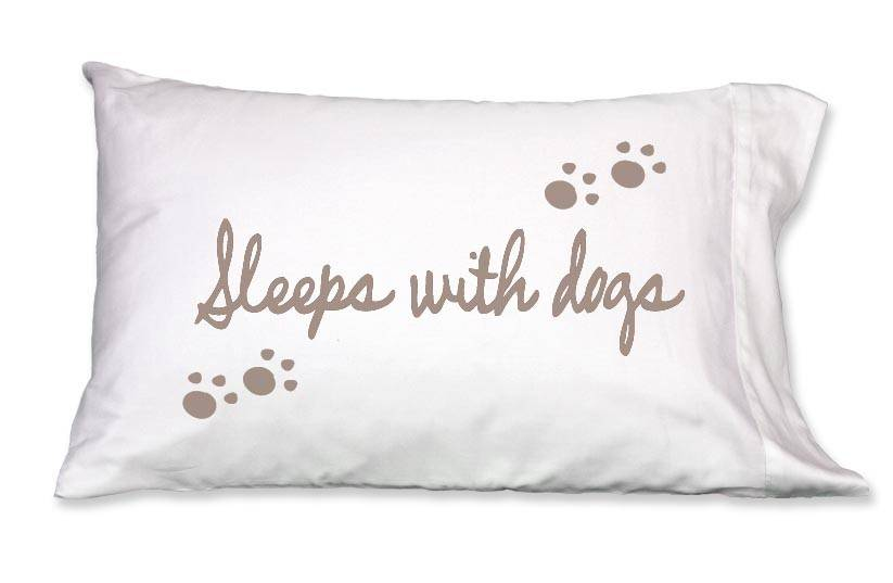 Faceplant Dreams Faceplant Dreams Sleeps w/Dogs-Std (Single Pillowcase)