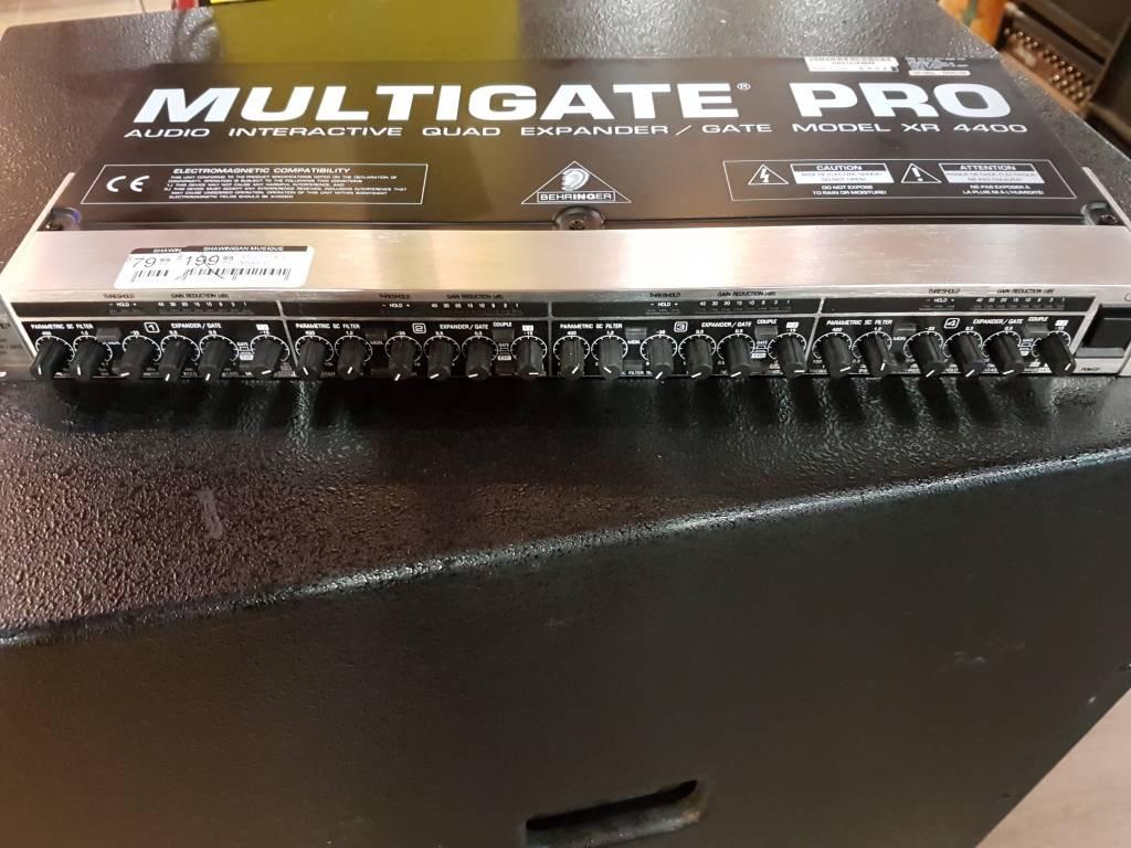 BEHRINGER MULTIGATE XR4400 BEHRINGER