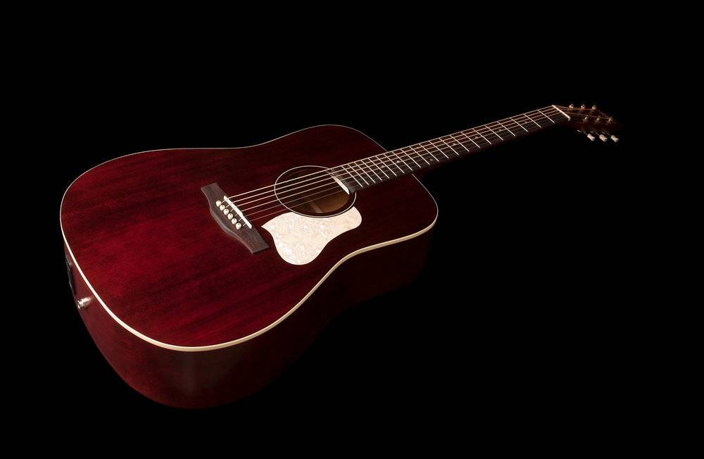ART & LUTHERIE AMERICANA TENNESSE RED ART & LUTHERIE