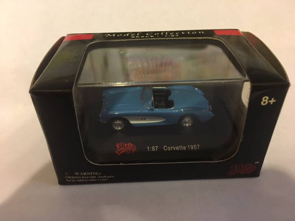 High Speed 118 HO 1957 Corvette