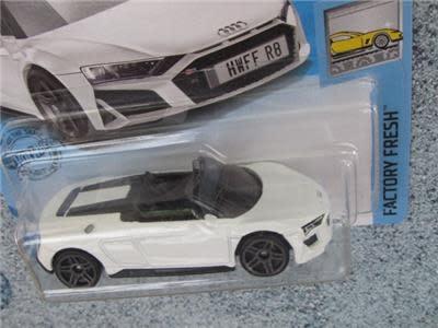 Hot Wheels 175/250  '19 Audi R8 Spider