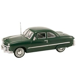 MTH - RailKing 3050075	 - 	1949 FORD 2 DOOR COUPE GREEN