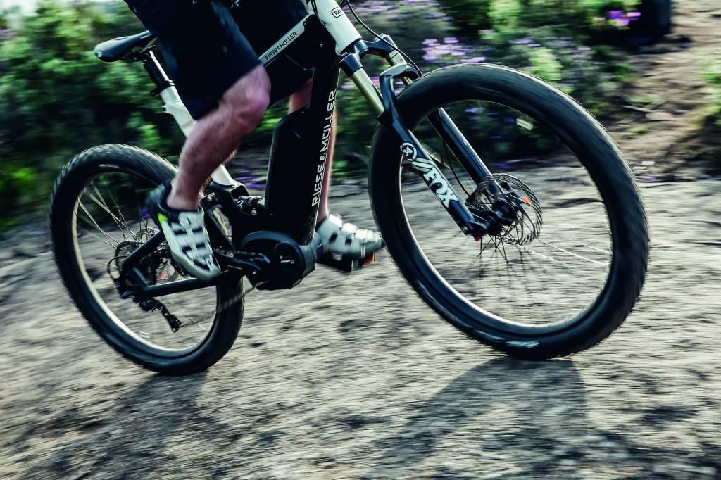 E-Mountain Bike Etiquette