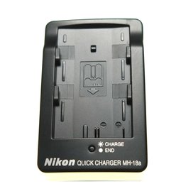 Nikon Nikon MH-18a battery charger for EN-EL3E batteries.