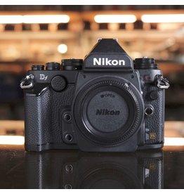Nikon Nikon DF.