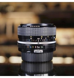 Nikon Nikon 28mm f3.5 pre-AI Nikkor.