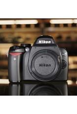 Nikon Nikon D60.