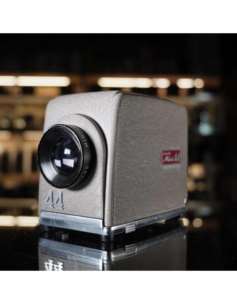 Minolta Minolta Mini 44 projector.
