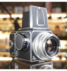 Hasselblad Hasseblad 500C w/ Carl Zeiss Planar 80mm f2.8 C.