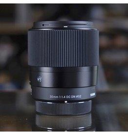 Sigma Sigma Contemporary 30mm f1.4 DC DN.
