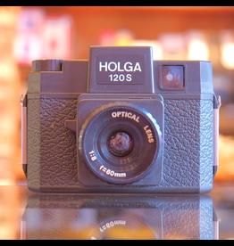 Holga Holga 120S.