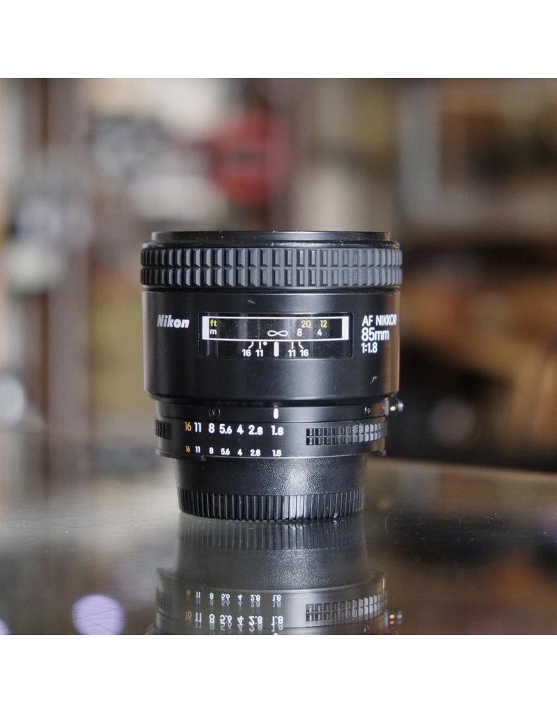 Nikon Nikon 85mm f1.8 AF Nikkor.
