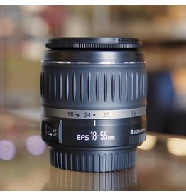Canon Canon EF-S 18-55mm f3.5-5.6.