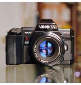 Minolta Minolta Maxxum 7000 w/ Minolta AF 50mm f1.7.