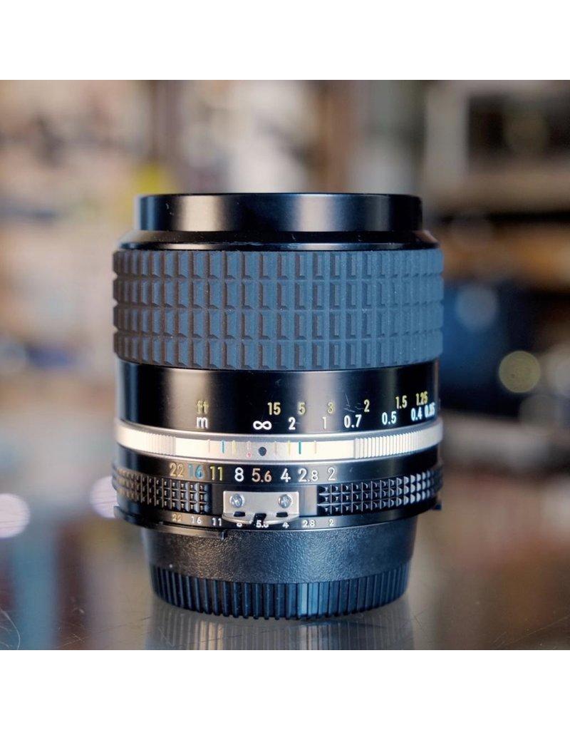 Nikon Nikon 28mm f2 AI-S Nikkor.