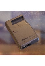 Nikon Nikon MH-63 battery charger for EN-EL10 batteries.