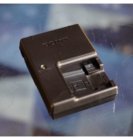 Sony Sony BC-CSN charger for NP-BN1 batteries.