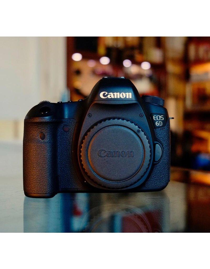 Canon Canon EOS 6D.