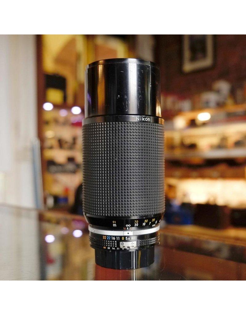 Nikon Nikon 80-200mm f4 Zoom-Nikkor.