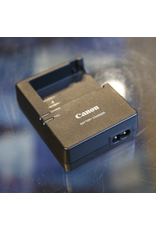 Canon Canon LC-E8E battery charger for LP-E8 battery.
