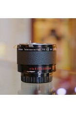 Nikon Nikon TC-1 2x teleconverter.