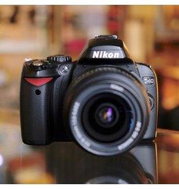 Nikon Nikon D40 w/ 18-55mm AF-S DX Nikkor.