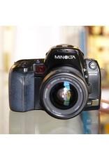 Minolta Minolta Maxxum 800si w/ Zoom xi 28-80mm f4-5.6.