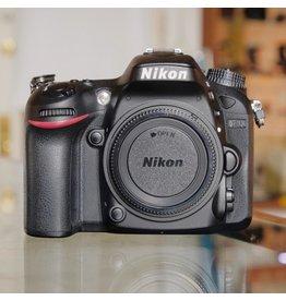 Nikon Nikon D7100.