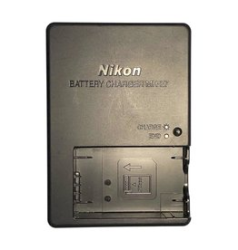 Nikon Nikon MH-27 battery charger for EN-EL20 batteries.