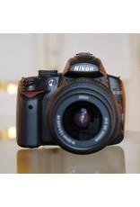 Nikon Nikon D5000 w/ 18-55mm f3.5-5.6G VR.