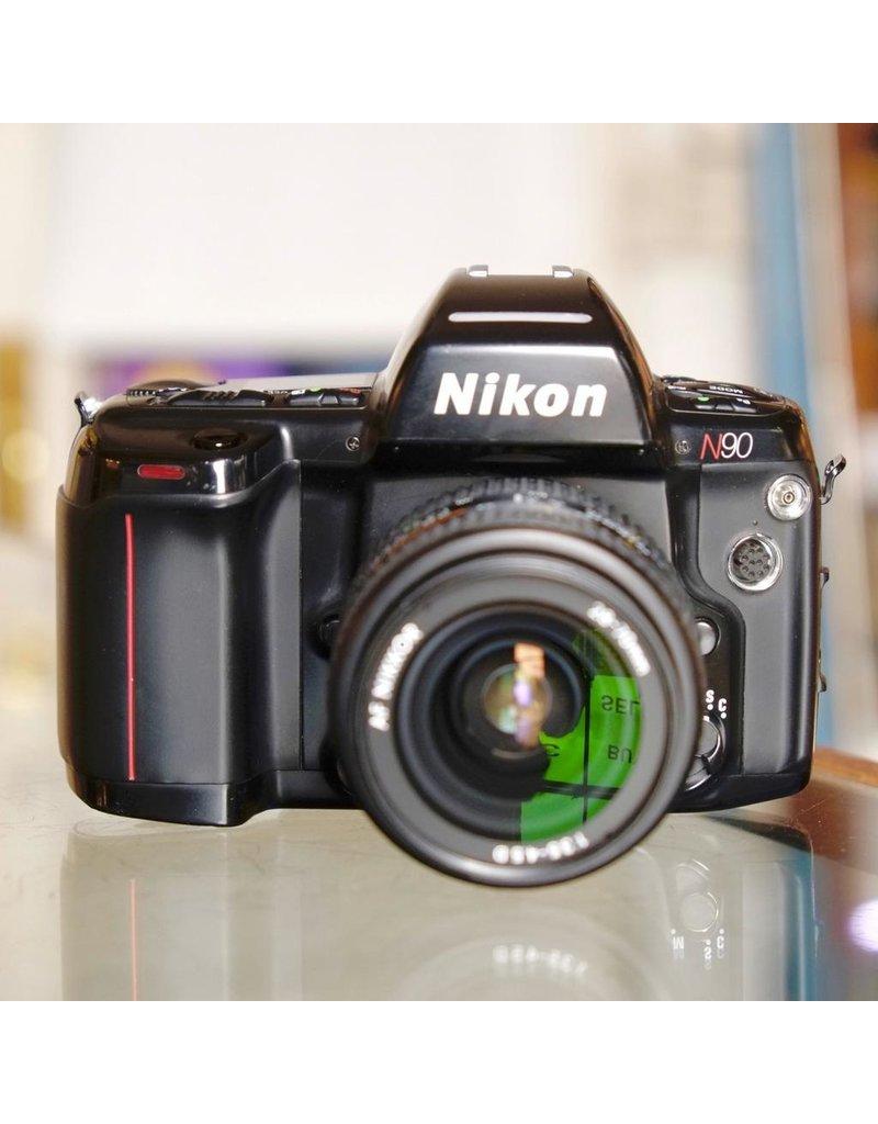 Nikon Nikon N90 w/ 28-70mm f2.5-4.5D AF Nikkor.
