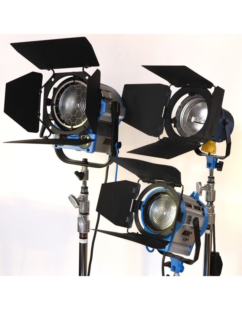 RENTAL Arri 3-light kit (2650W total) rental.