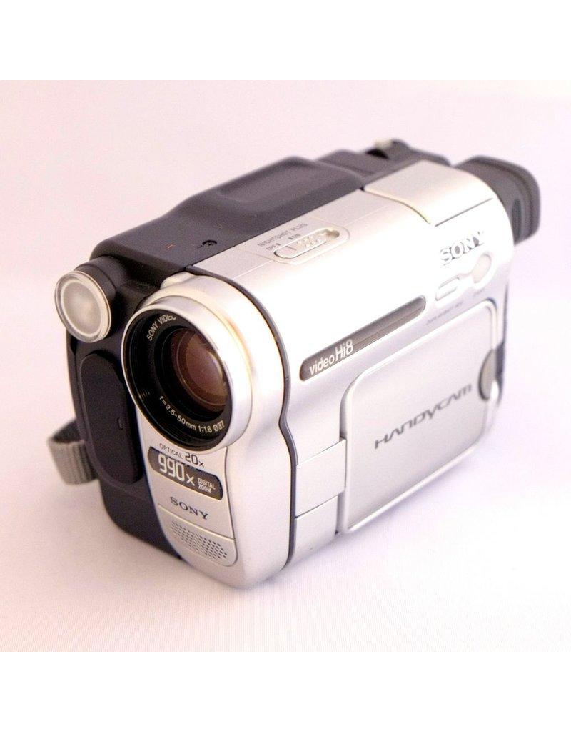 Sony Sony Handycam CCD-TRV138 camcorder (c.2005)