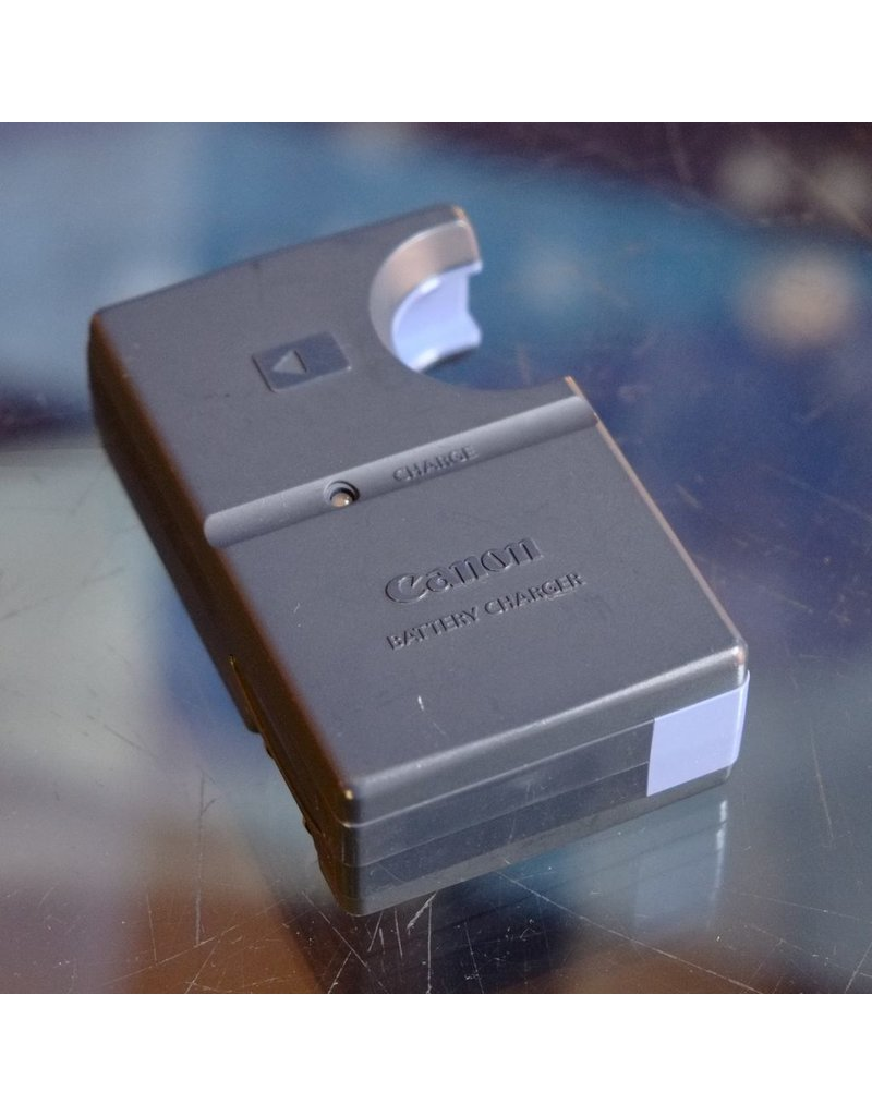 Canon Canon CB-2LS charger for NB-1L batteries.