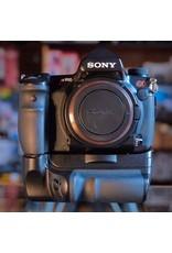 Sony Sony A900 DSLR w/ VG-C90AM