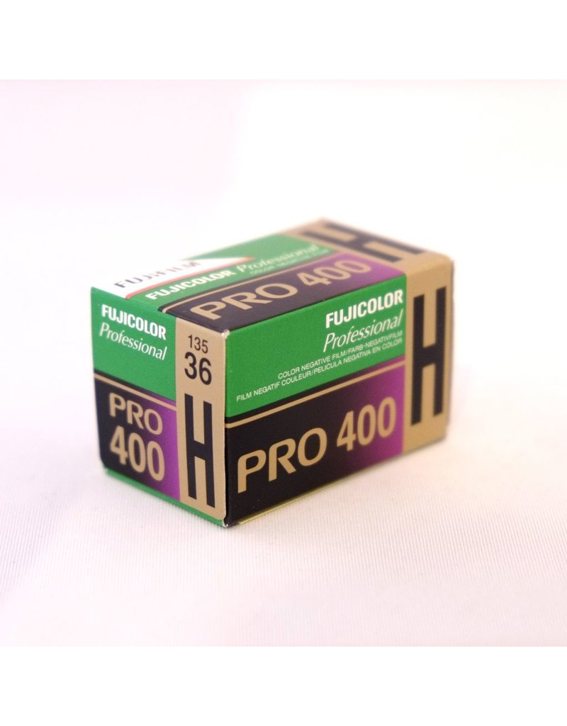 Fujifilm Fujifilm Pro400H colour negative film. 135/36.